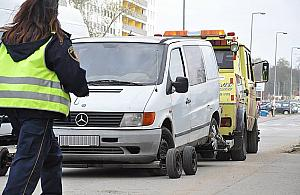 """Miliony na odholowywaniu aut. """"Rozbój w bia³y dzieñ"""""""