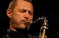 Jazz w podziemiach u Kamedu��w