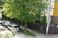 Znaki stoj�, samochody parkuj�. Rozgoryczenie w Falenicy
