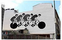 Cykli�ci na Ogrodowej. Nowy wolski mural