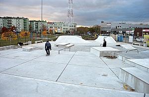 Najwiêkszy skatepark Warszawy ju¿ gotowy
