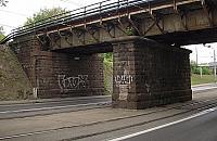 Niemieckie bunkry i wiadukt z czasów caratu. Co kryje linia kolejowa na Woli?