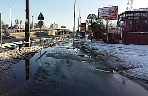 Modliñska: Budowaæ natychmiast chodnik czy czekaæ na tramwaj?