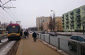 Tramwaje wlok± siê na Broniewskiego