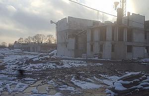 Burmistrz Bia³o³êki przyznaje: s± problemy na budowach szkó³