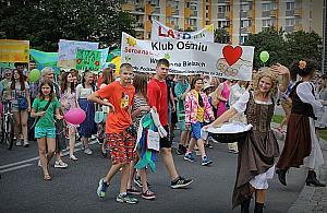 Bielany witaj± lato. Parada, tañce i koncerty na Serku