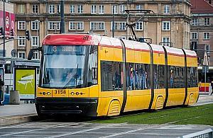 Wakacje bez tramwajów. Sze¶æ linii zawieszonych