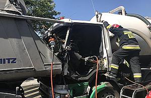 Zakleszczony kierowca, szambo na Radzymiñskiej