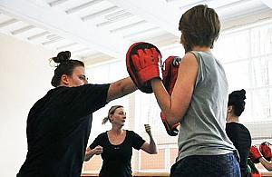 Kurs samoobrony dla kobiet. Bezp³atne zajêcia