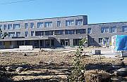 Budowa szkó³ i przedszkoli stanê³a. Umowy z Dorbudem zerwane