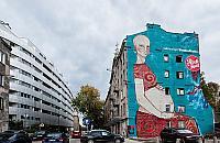 """Mural z przes³aniem ozdobi³ Mirów. """"Boskie Matki s± w¶ród nas"""""""