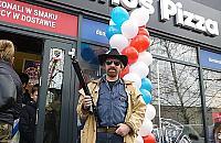 Chuck Norris otworzy³ pizzeriê w Legionowie