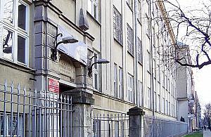 Liceum Jaros³awa Kaczyñskiego wci±¿ na czele