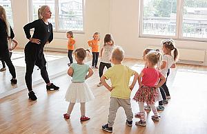Taniec na Bia³o³êce. Dla dzieci i doros³ych