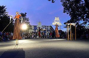 Festiwal teatrów ulicznych w Wawrze?