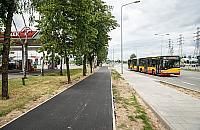 Czarny asfalt na Jelonkach. Szczê¶liwi rowerzy¶ci