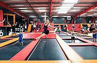 Tory przeszkód i trampoliny. Nowe atrakcje na Targówku