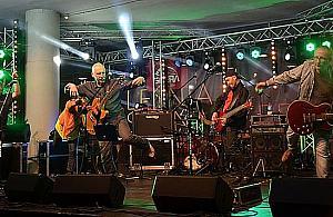 Za darmo w Wawrze. Elektryczne Gitary na ¿ywo