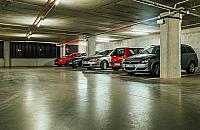 Gdzie obiecane parkingi? Auta zablokuj± Targówek