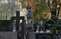"Hieny cmentarne na Bródnie. ""Kradn± nawet p³yty nagrobne"""