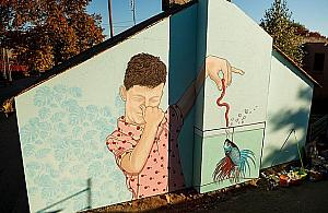 Murale ozdobi�y okolice Pastewnika