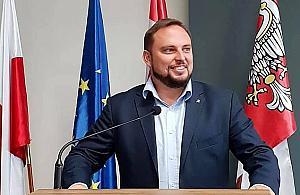 Wi¶niakowski wygrywa, burmistrzowie w sejmiku