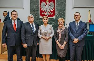 Kierzkowska burmistrzem, D±browski pogodzony z PO