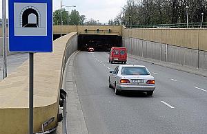S7 coraz bli¿ej. Kilometrowy tunel obok bloków