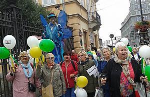 Zadowoleni seniorzy z Nadarzyna