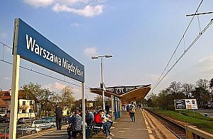 Miêdzylesie: bez parkingu, z wiaduktem kolejowym