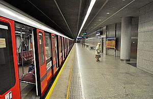 """Proponuj� metro na Tarchomin. """"Pierwsza linia si� przepe�nia"""""""