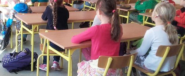 Dziewiêæ szkó³ na Bemowie strajkuje. Co z dzieæmi?