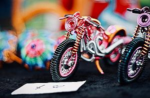 Bazar zabawek w parku Picassa