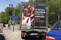 """Antyaborcyjna furgonetka blokuje parkingi. """"Nie chcê tego ogl±daæ"""""""