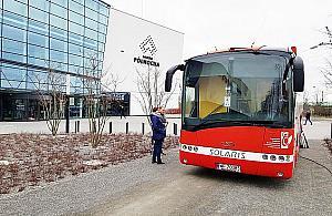 Przyjd�, oddaj krew. Czerwony autobus na Tarchominie