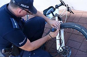 Gin� rowery. Jak si� zabezpieczy�?