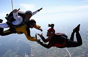 Prze�yj przygod� - wybierz skoki spadochronowe w tandemie