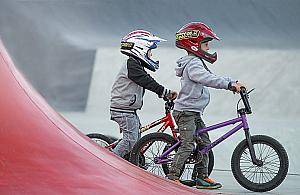 Skatepark i pumptrack powstan� na Targ�wku