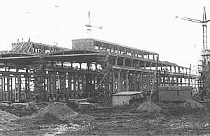 """""""Wielki zak�ad na M�ocinach"""". Tak budowano hut�"""