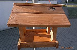 Karmniki dla ptak�w. Za darmo od dzielnicy
