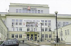 Szpital Biela�ski zmienia logo. Ale po co?
