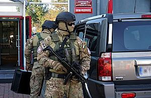 Spektakularna akcja CBA w Wólce Kosowskiej. Zatrzymano 18 osób