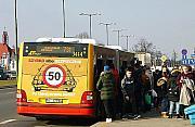 Ruszy� sobotni rozk�ad jazdy. W autobusach ZTM zrobi� si� t�ok