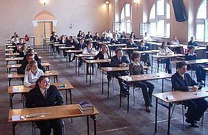 �smoklasi�ci i maturzy�ci egzaminy pr�bne napisz� w domach