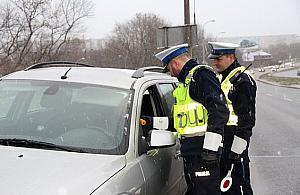 Kierowca golfa zatrzymany na Targ�wku. Mia� do�ywotni zakaz prowadzenia auta
