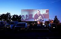 Kino samochodowe na Bia�o��ce. Znamy cennik i repertuar