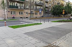 """Rowerzysta przep�dzony z P�ockiej. """"Won na drog� dla rower�w"""""""