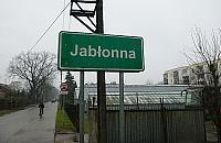 W Jab�onnie czy Jab�onnej? Mieszka�cy wci�� si� myl�