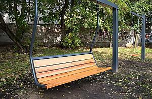 Nietypowe ławki staną w parkach? Zdecydują mieszkańcy Woli