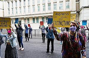 Ekolodzy sparali�uj� Warszaw�. B�d� protestowa� w godzinach szczytu